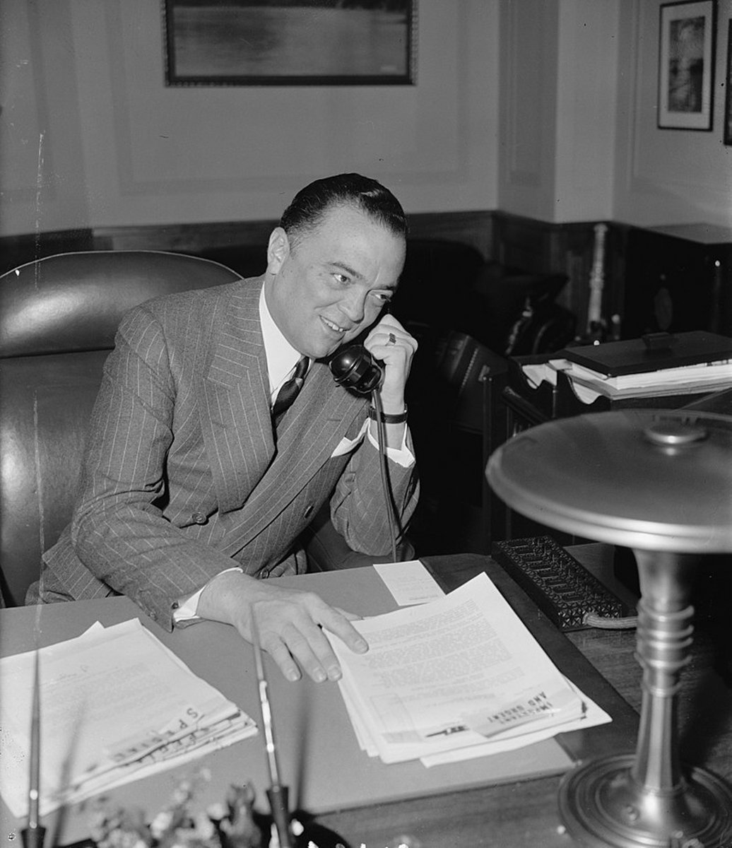 800px-Director_Hoover_1940_Office