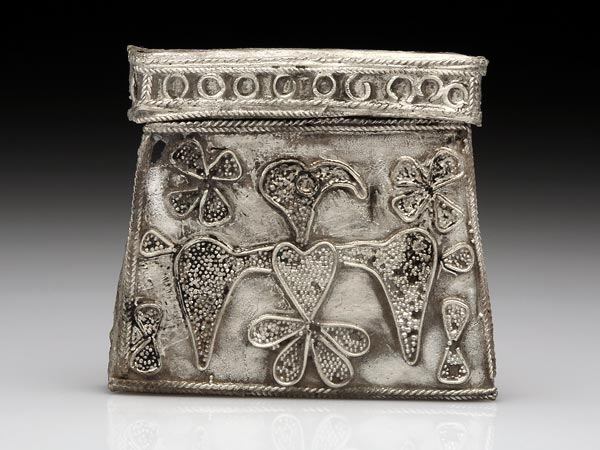 polish-warrior-grave-amulet-container_45863_600x450
